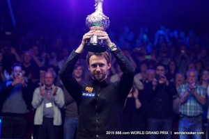 Top Trump: Judd lifts the trophy