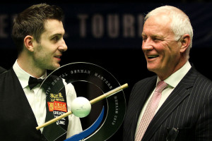 Selby receives the trophy from World Snooker Chairman Barry Hearn