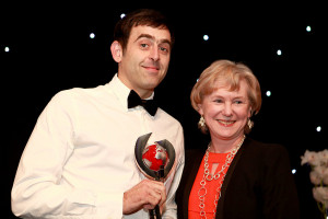 O'Sullivan receives his award from BBC Sport chief Barbara Slater