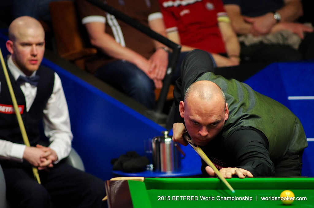 Bingham Shrugs Off Illness To Beat Williams - World Snooker