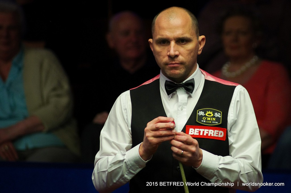 In-Form Perry Into Round Two - World Snooker