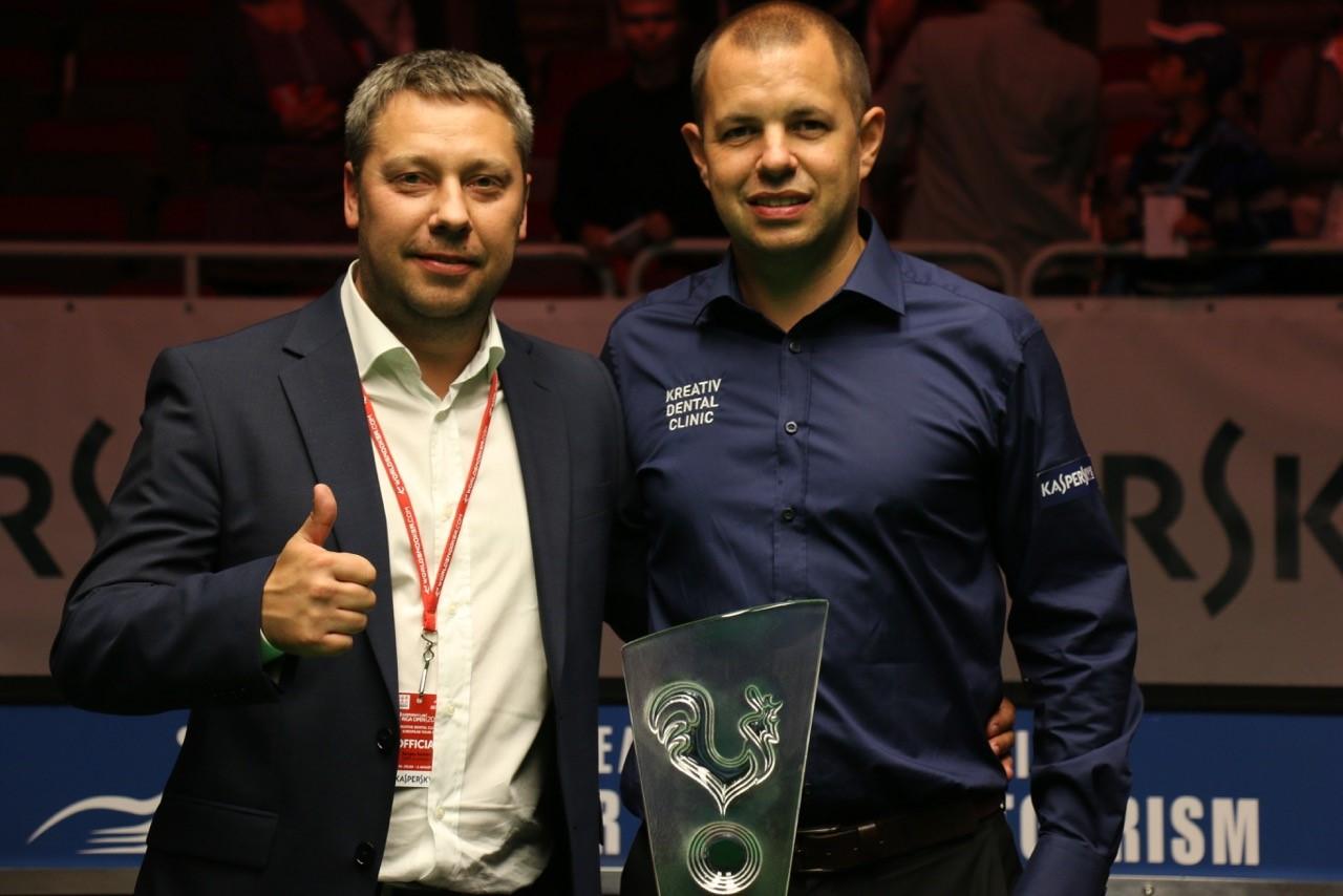 Barry Hawkins and Sergey