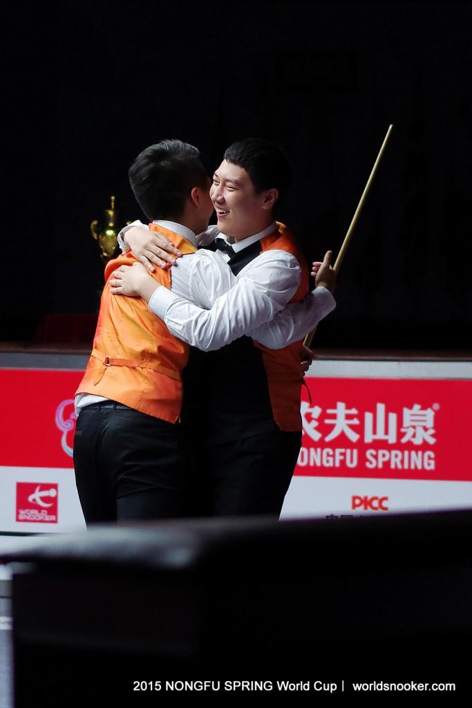 Yan won the 2015 Snooker World Cup with Zhou Yuelong