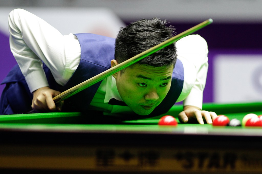 Ding pounced instantly to win the opening six frames