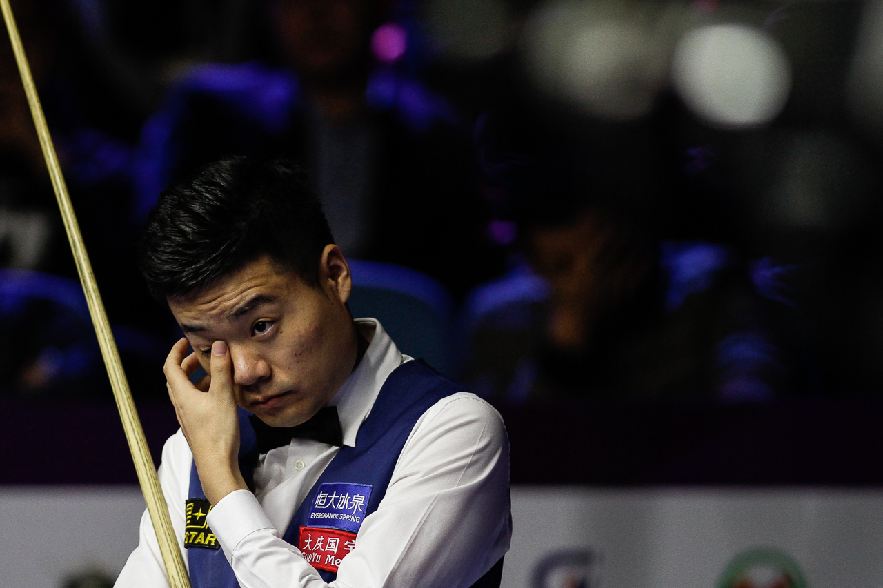 Ding struggled with his game throughout the day