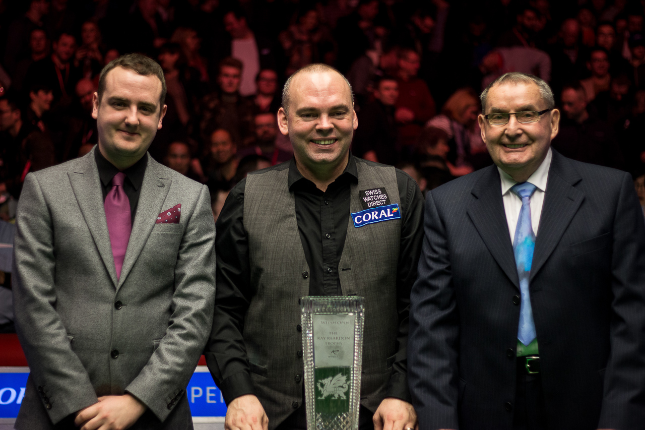 Snooker legend Ray Reardon presented Bingham with the trophy